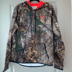 Under armour Camo hoodie - L NWT